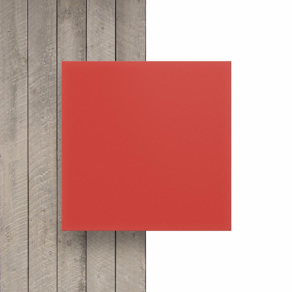 Devant PVC expansé rouge
