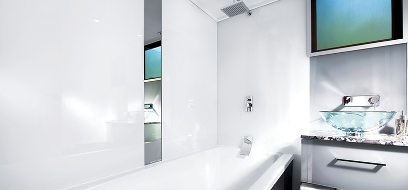 Revetement mural salle de bain Plexiglass