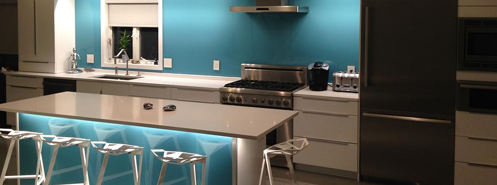 revetement mural de cuisine en plastique bleu