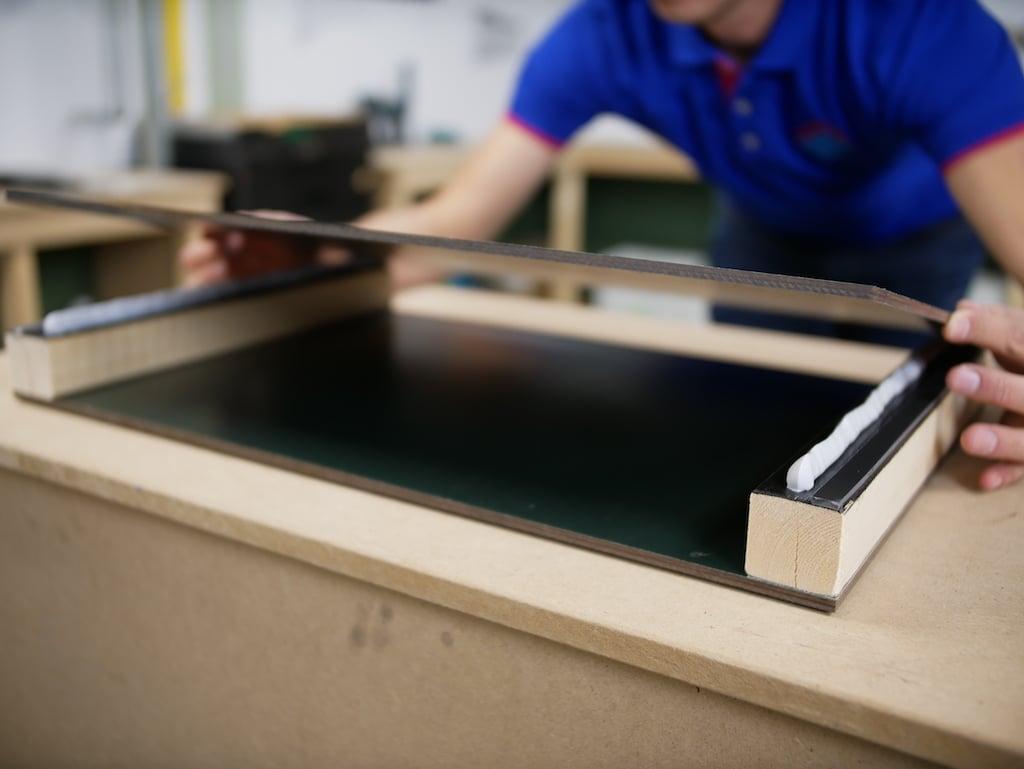 Bricolage le remplacement des revetements muraux exterieurs