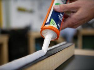 installation des panneaux Trespa raccord adhesif