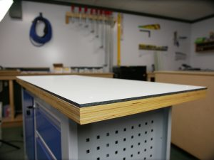Plateau de table sur mesure en HPL