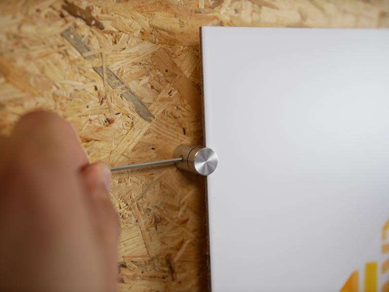 accrocher tableau blanc en plastique