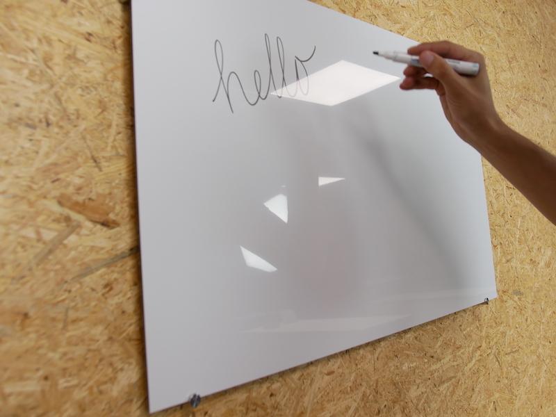 tableau blanc fabriqué en Alupanel DIY