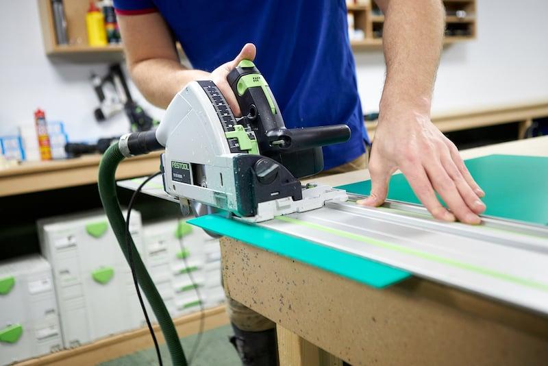 Sciage PVC vert