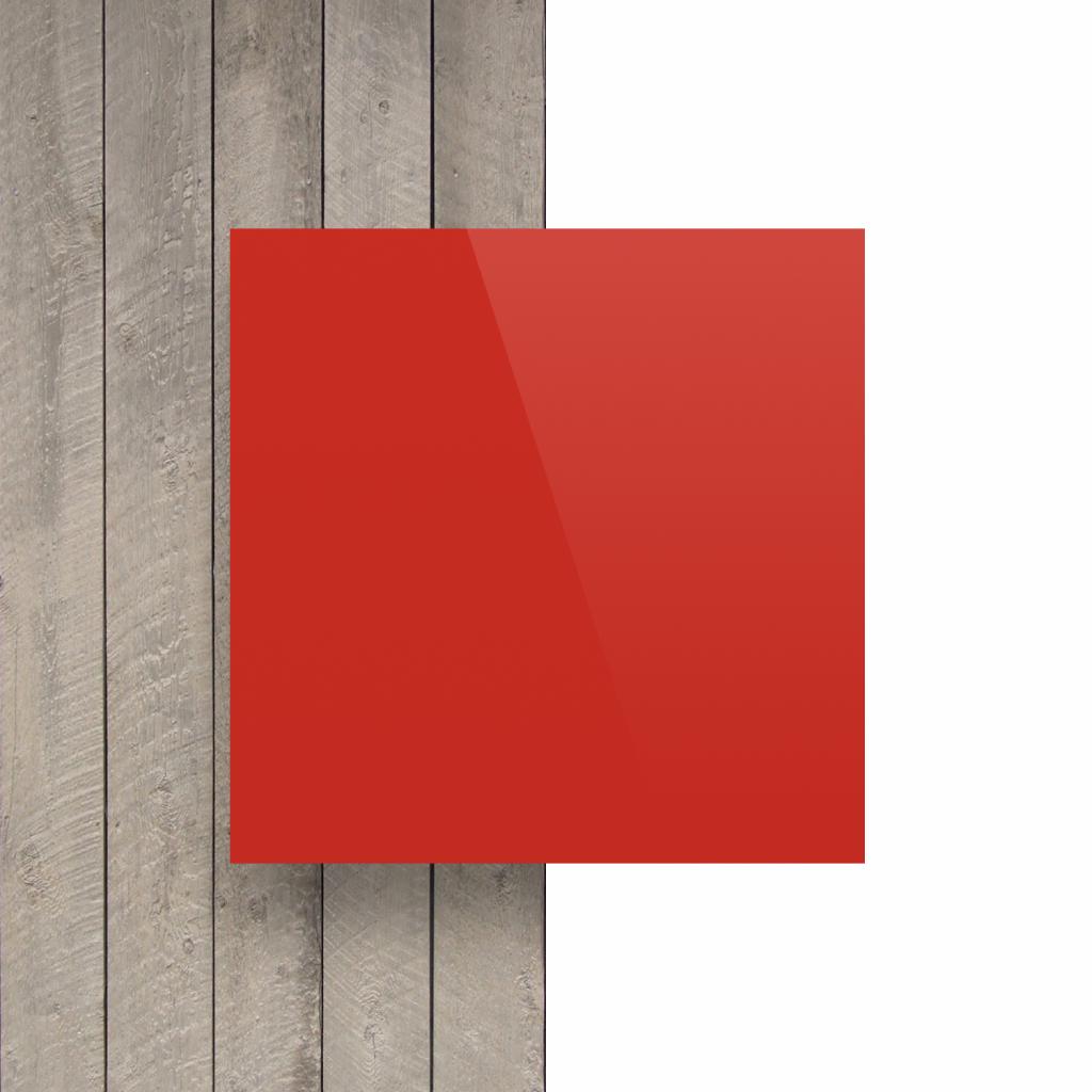 Plaque avec lettres rouge signalisation devant