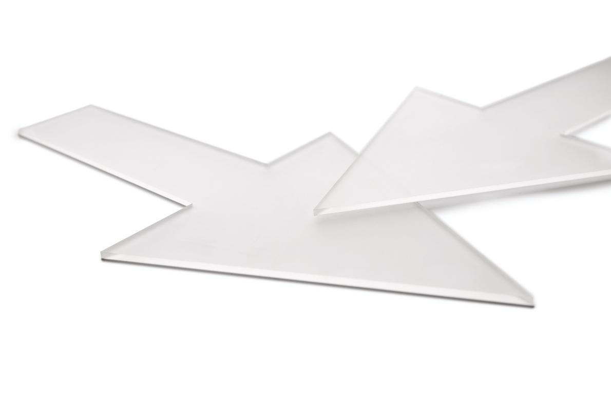 Forme en plastique fleche